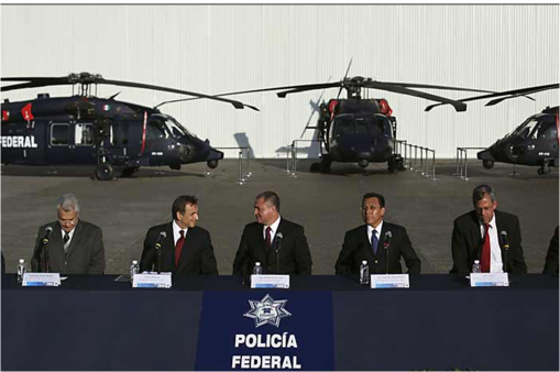 Entrega EU 3 helicpteros Black Hawk a la Policia Federal Ssp-blackhawks1